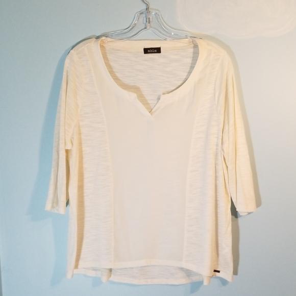 MBLM 1X white 3/4 length sleeve top